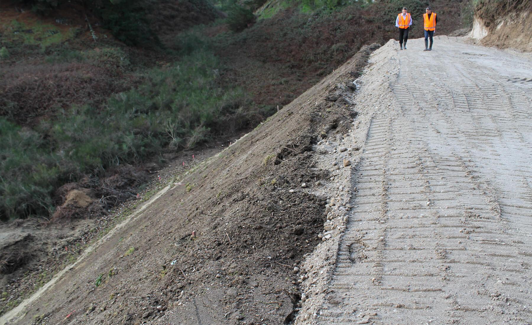 Duraslope reinforced soil system cirtex civil for Soil as a system