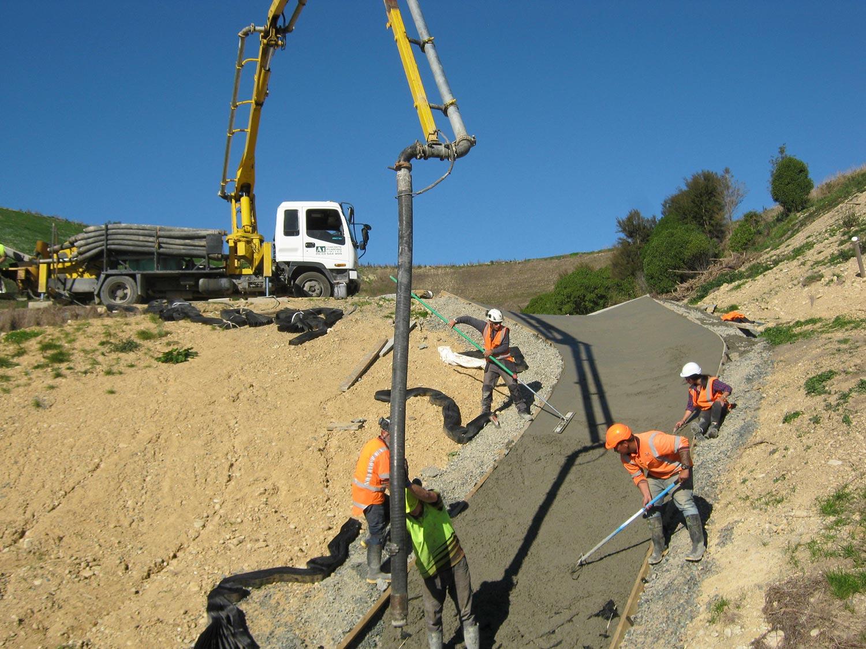 strataweb-slope-concrete-fill
