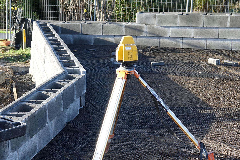 allan-block-wall-construction